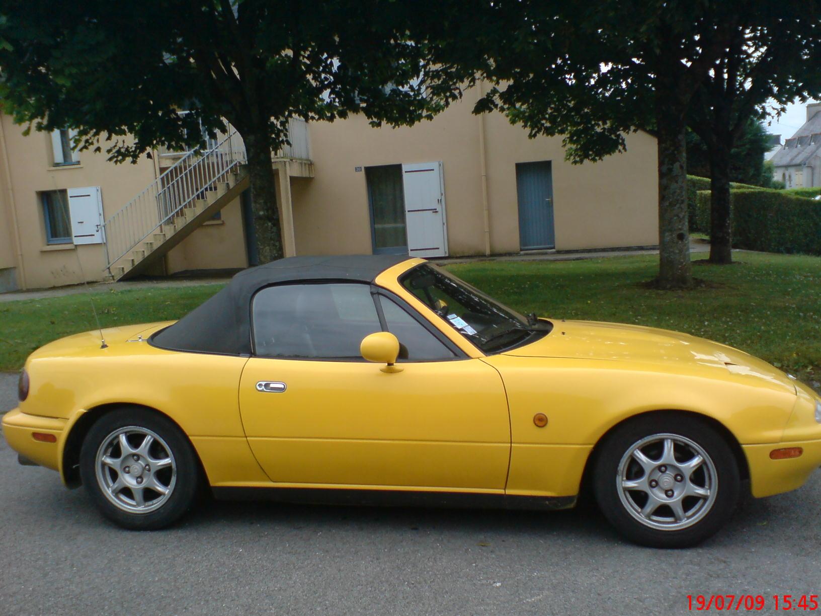 Mazda MX5 Cabriolet Jaune 1996