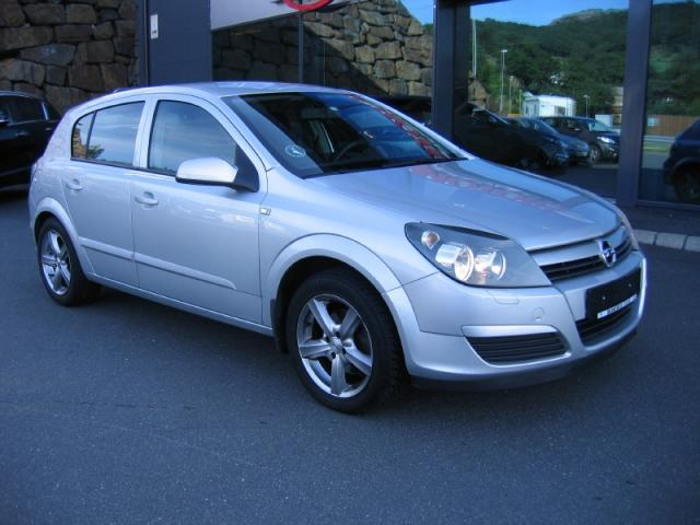 Opel Astra occasion Gris clair - 26682