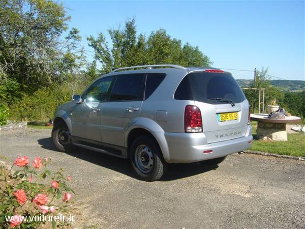 SSANGYONG REXTON occasion Gris clair - 14551