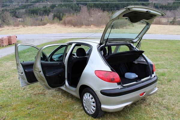 Peugeot 106 Berline Diesel  de Particulier, acheter voiture occasion �