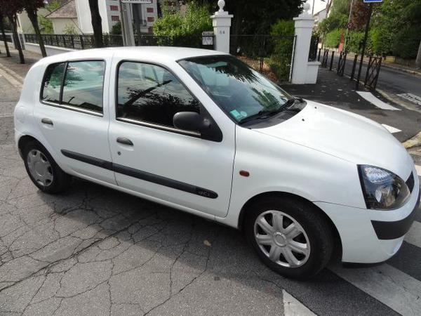 Renault Clio Berline Diesel  de Particulier, acheter voiture occasion �  Dordogne