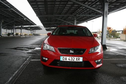 Seat Leon Berline Diesel  de Particulier, acheter voiture occasion �  Gironde